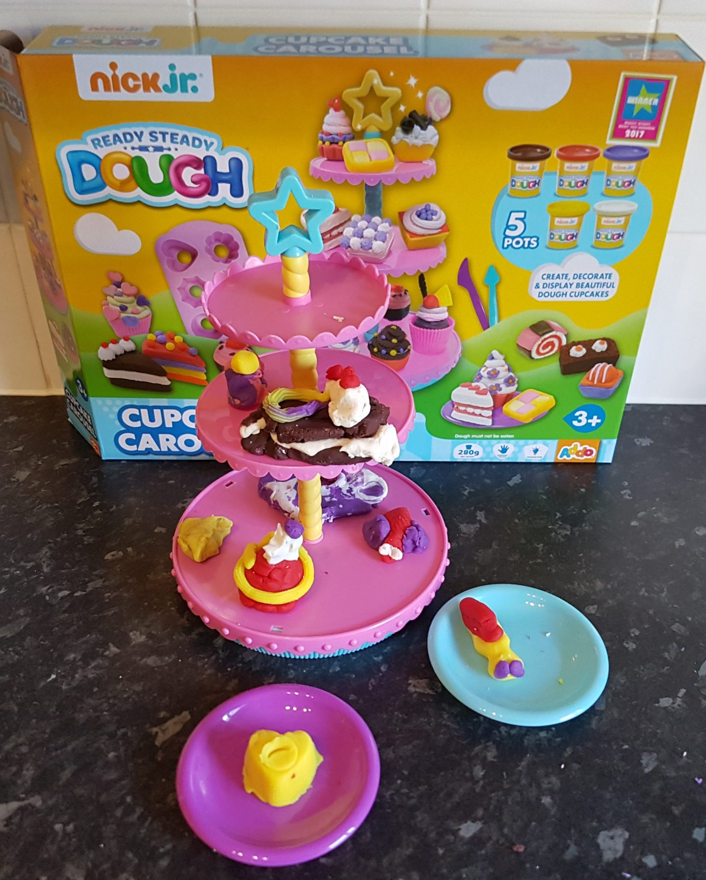 Ready Steady Dough Cupcake Carousel by Addo play