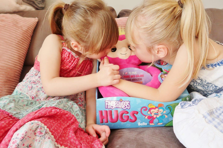 The Knight Tribe- Fingerlings Hugs