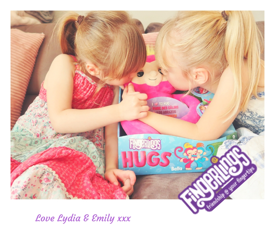 The Knight Tribe Review & Giveaway-Fingerlings HUGS by WowWee- BELLA